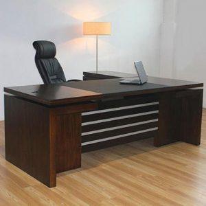 meja-kantor-kayu-minimalis